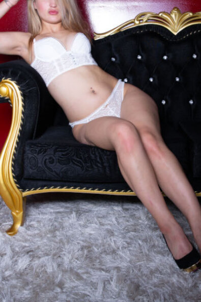 Amanda Velvet Escort
